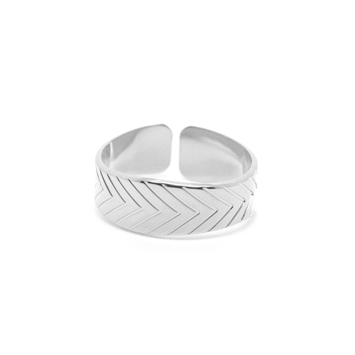 Mya Bay -Leaf ring silver